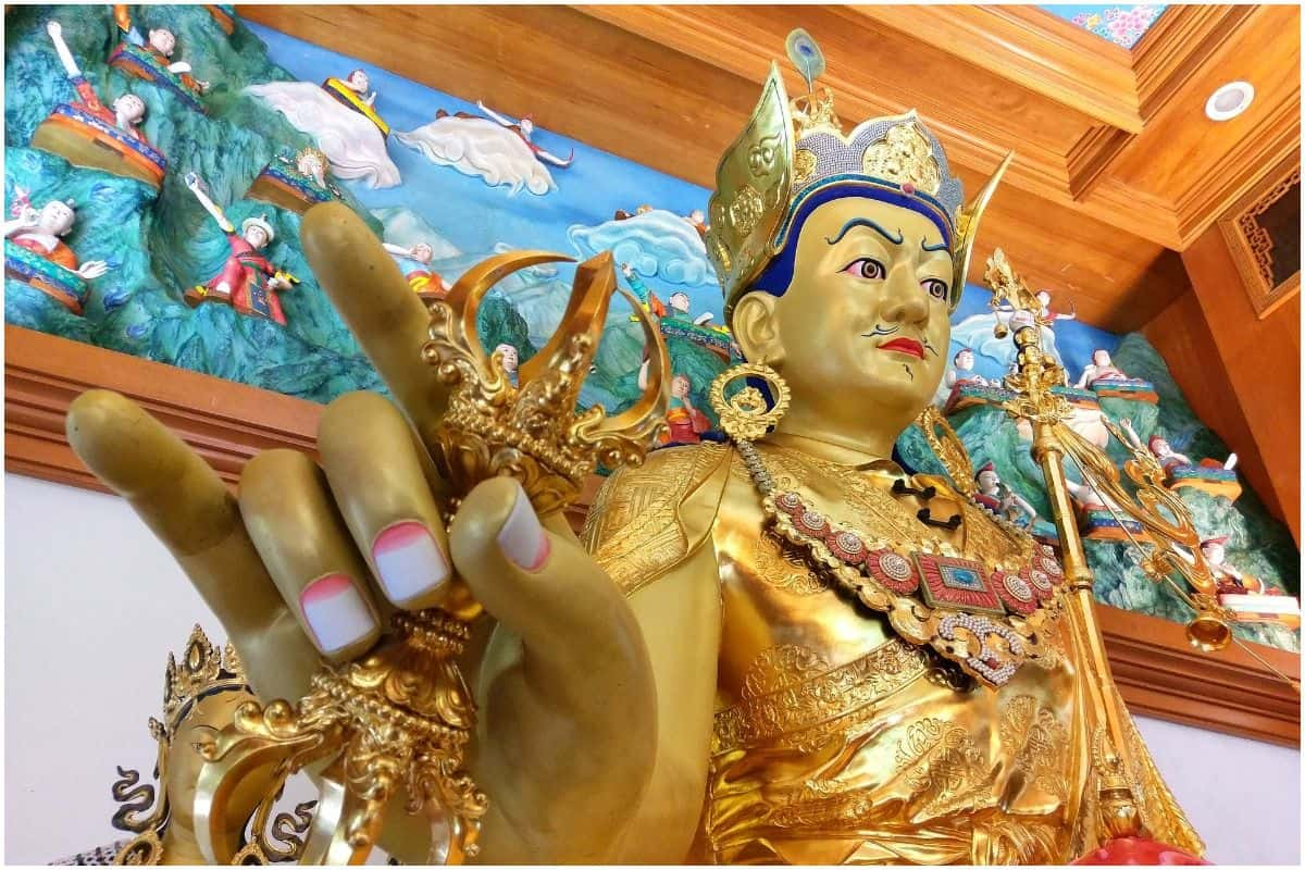 Seven Line Prayer Benefits of Guru Rinpoche (Padmasambhava)