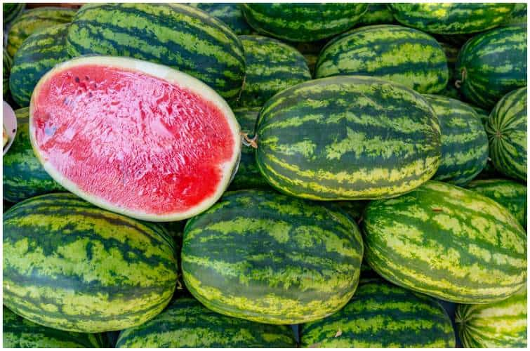 How to Pick a Juicy, Sweet and Ripe Watermelon From the Grocery Store