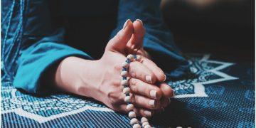 Om Hraum Mitraya Namaha Mantra to Achieve Inner Peace