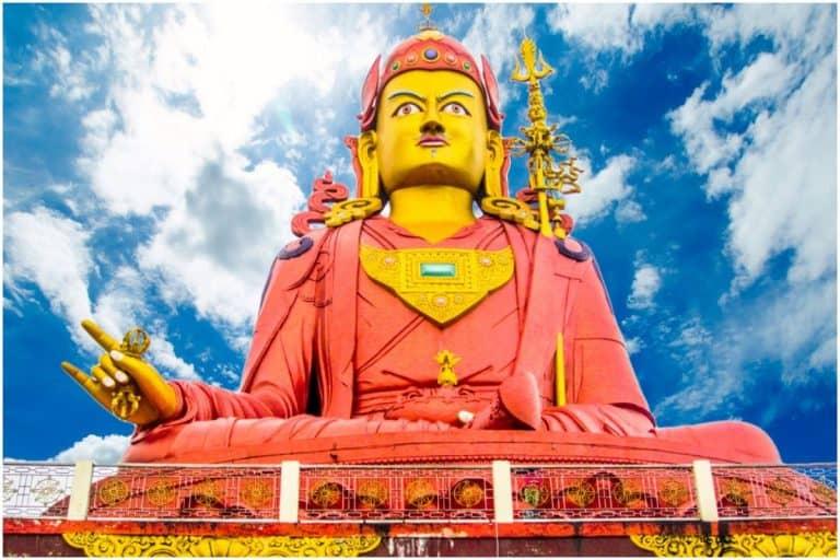 Vajra Guru Mantra of Guru (Rinpoche) Padmasambhava - Om Ah Hum Vajra Guru Padma Siddhi Hum Meaning & Benefits