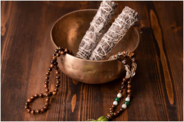 Yellow Dzambhala Mantra for Wealth, Money and Prosperity - Om Dzambhala Dzalentraye Svaha