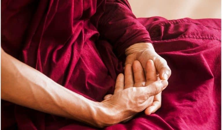 Namgyalma Mantra – Om Bhrum Soha: Lyrics, Meaning, Benefits